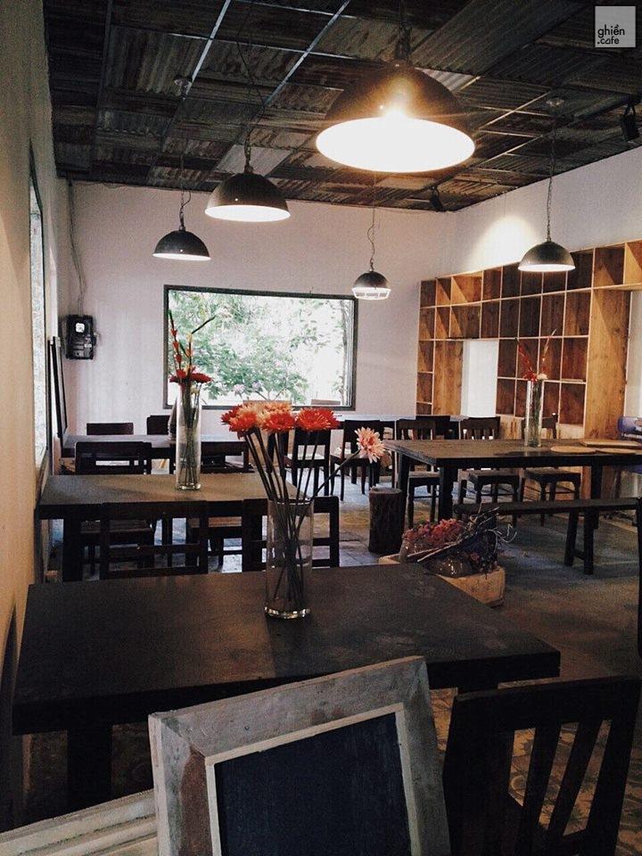 Trốn Cafe - Trần Phú