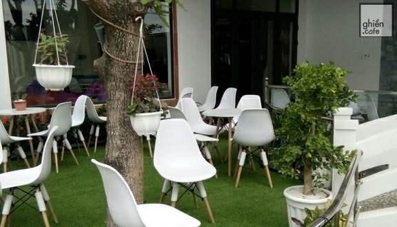 Ý Lan Cafe -Lê Văn Duyệt