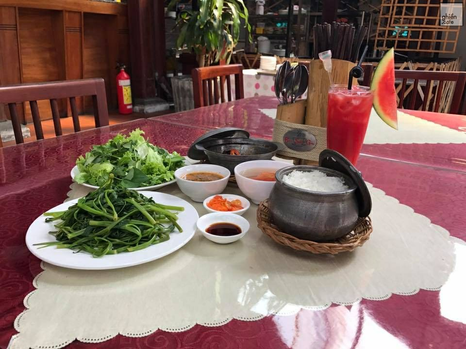 Bụi Sài Gòn Nhà Hàng & Cafe