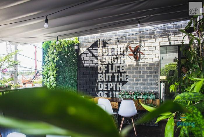 Lép Cafe - Morrison