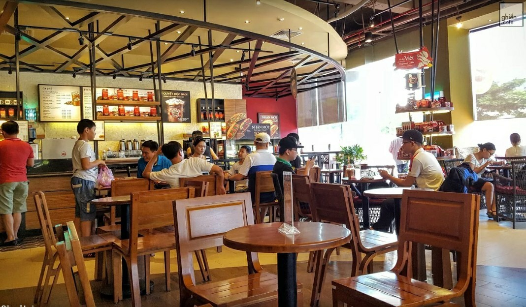 Highlands coffee - Nguyễn Văn Linh