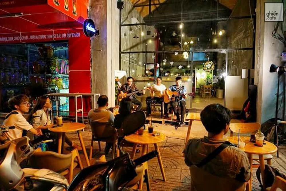 Adam Cafe - Võ Thị Sáu
