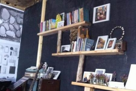 Bàn Chân Nhỏ Studio Cafe-Bà Huyện Thanh Quan