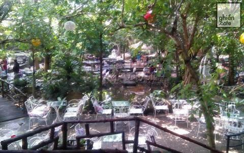 Romantic Garden Cafe