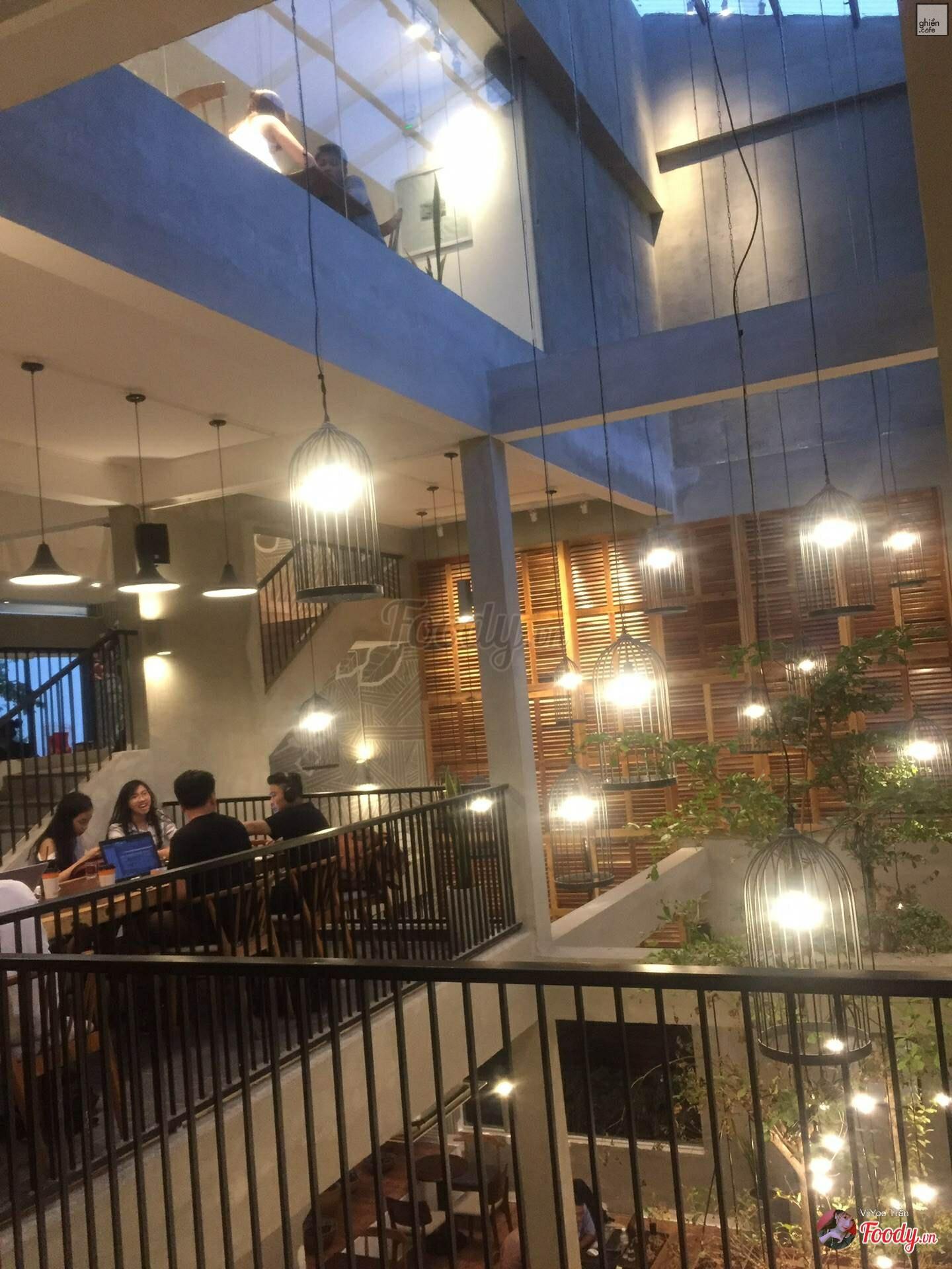 The Coffee House - Lê Duẩn