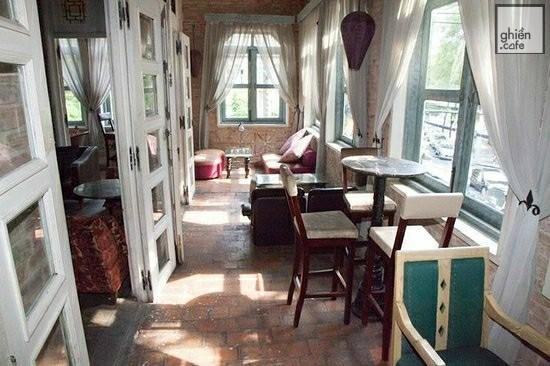 La Fenetre Soleil - Cửa Sổ Mặt Trời - Lý Tự Trọng
