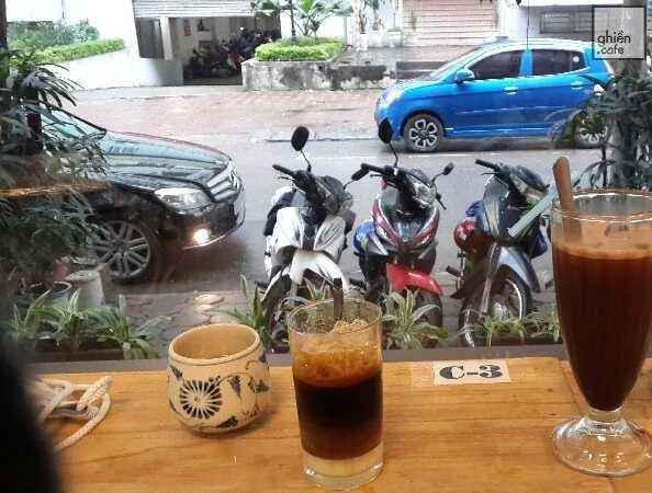 Thư Viện Café Đông Tây - Trần Đăng Ninh